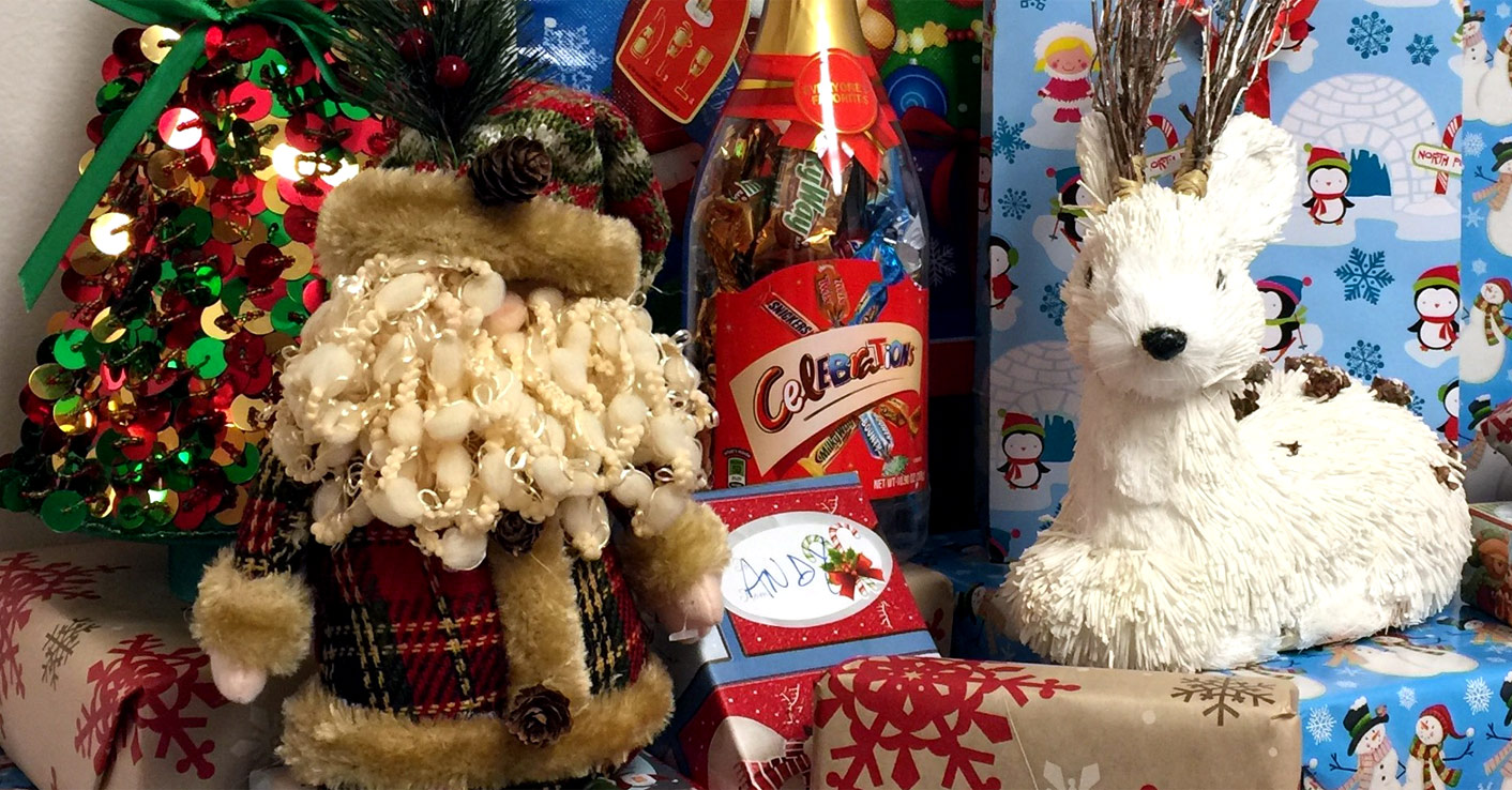 Glenkirk Holiday Gift Drive - Christmas Holiday decorations